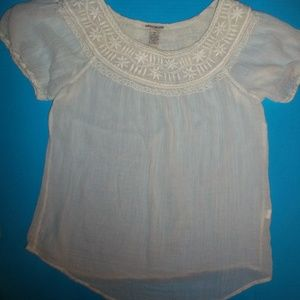 M LUCKY BRAND NWOT GAUZE PEASANT EMBROIDERED TOP